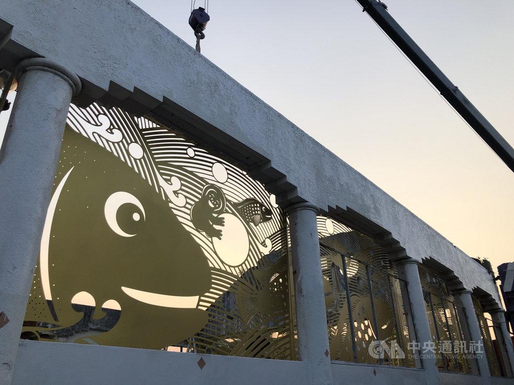 歷史逾80年的台南市中西區舊魚市場,確定原地保留後的2年間,正悄悄地華麗轉身,市府已委請藝術團隊進行改造,讓舊魚市場擁有吸睛且符合在地特色、原有魚市場意象的藝術牆面,預定12月亮相。(台南市政府觀光旅遊局提供)中央社記者張榮祥台南傳真 109年11月21日