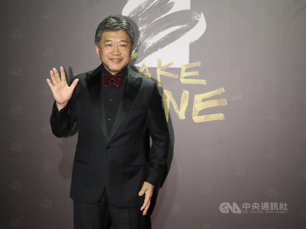 第57屆金馬獎頒獎典禮21日晚間在台北登場,今年有多名國際影人參與,日本名導是枝裕和特地來台並且隔離14天,他表示,能參加金馬獎很開心。中央社記者張新偉攝 109年11月21日