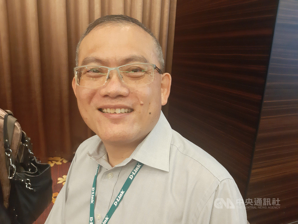 友訊總經理陳瑋駿23日表示,重新建構以台灣為主軸的供應鏈,對重新回到美國市場會有更大的優勢,在地生產除了把供應鏈往中國以外的地方移動,印度、俄羅斯政府也希望看到在地生產。中央社記者潘智義攝  109年11月23日