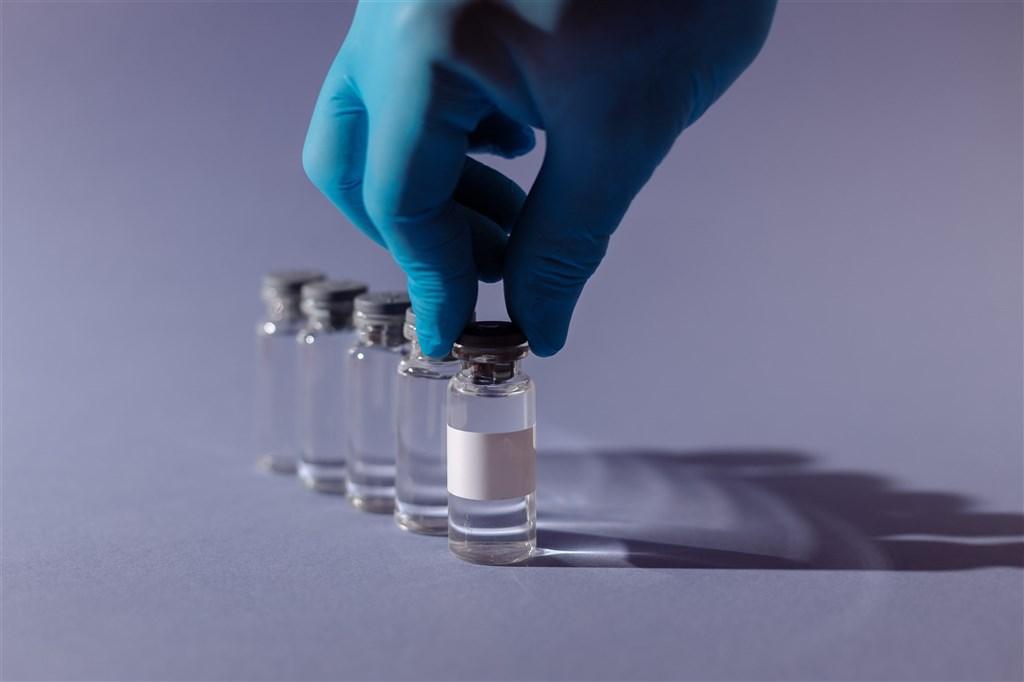2款申請使用授權,美國衛生部長艾薩11月30日說:「我們有望在耶誕節前看到這兩支疫苗推出,開始提供民眾接種。」(示意圖/圖取自Pexels圖庫)