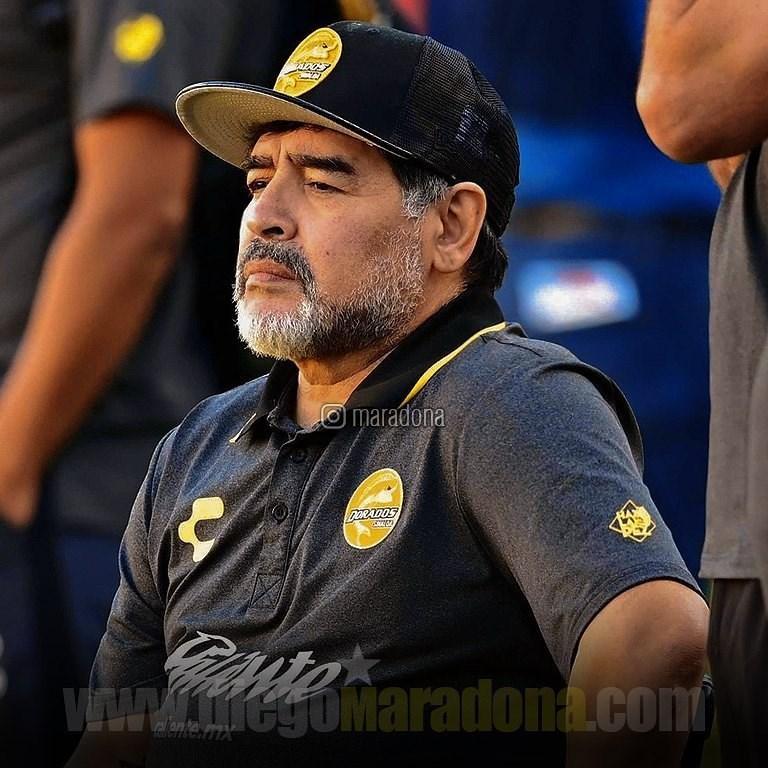阿根廷足球巨星馬拉度納25日辭世,享壽60歲。身高僅165公分的他1986年率阿根廷奪下世足冠軍,一生既有傳奇又有爭議一面。(圖取自instagram.com/maradona)