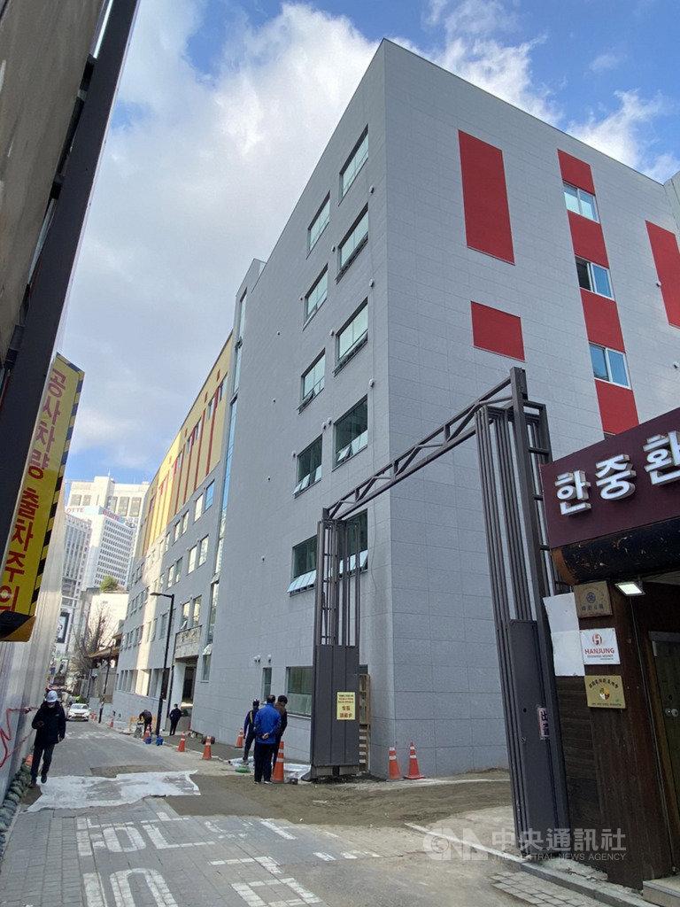 漢城華僑小學新校舍今年1月動土,現已幾近完工,預計明年2月新學期正式啟用。中央社記者廖禹揚首爾攝 109年11月27日