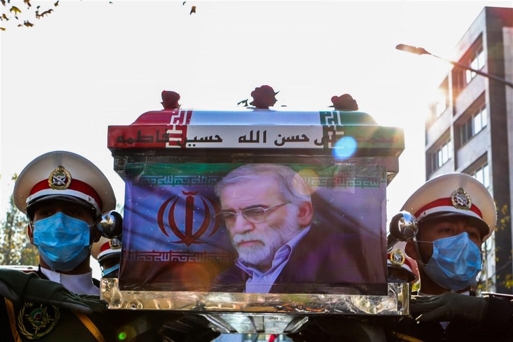 伊朗30日在首都德黑蘭為重要核子科學家法克里薩德舉行葬禮。(安納杜魯新聞社)