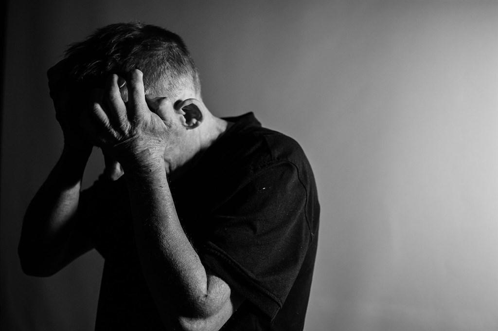 70多歲陳姓老翁不忍腦性麻痺女兒受苦,涉嫌將女兒悶死,台北地院7日依殺人罪判處2年6月徒刑。(示意圖/圖取自Pixabay圖庫)