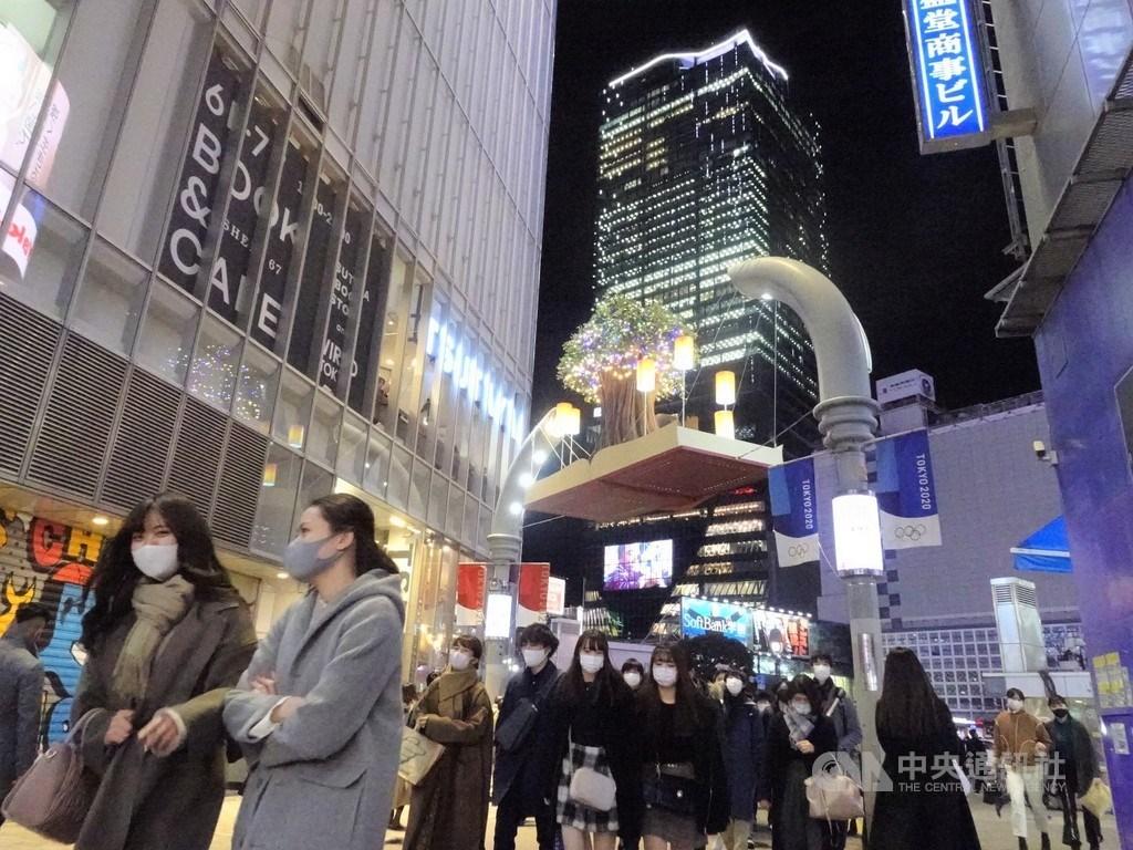 日本全境6日共新增6004例武漢肺炎確診病例,是疫情爆發以來首度單日新增逾6000例。圖為東京澀谷街頭。(中央社檔案照片)