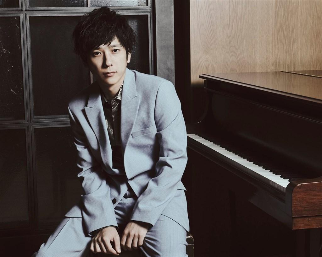 日本媒體報導,2020年底休團的日本天團「嵐」成員二宮和也即將升格當爸,他的妻子預產期在2021年春天。(圖取自facebook.com/arashi5official)