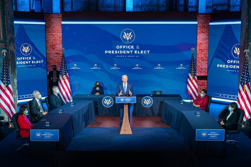 2017年初卸下副總統職務的拜登20日將以美國新任總統身分重返白宮,攤開拜登內閣人事提名,不少是前總統歐巴馬時期老面孔,特別是國安外交領域。(圖取自facebook.com/joebiden)