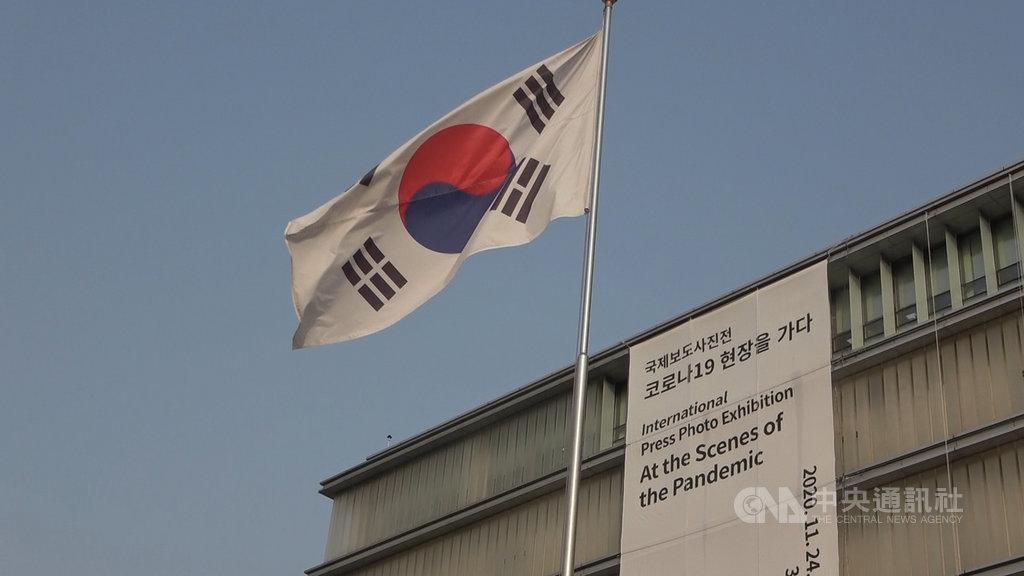 美國新政府將上任,若美中敵對態勢更強,意圖與雙方同時維持友好關係的韓國處境將更加艱難。中央社記者廖禹揚首爾攝 110年1月17日
