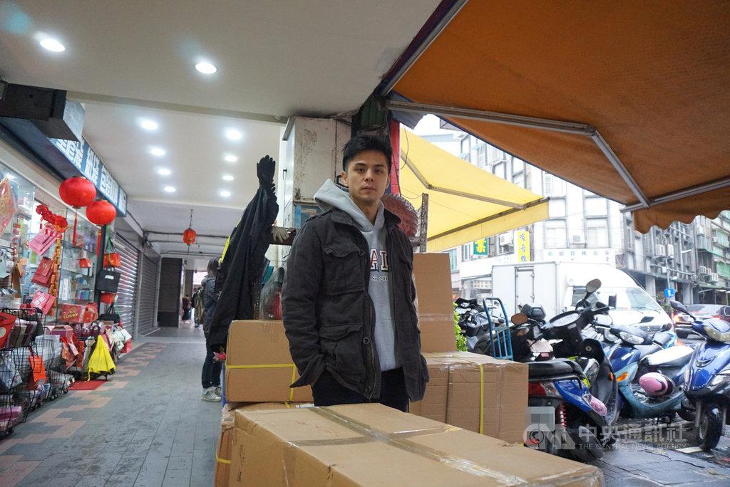 作家姜泰宇是曾經網路文學炙熱時期的暢銷作家,如今網路文學熱烈度已不在,他認為主因之一是內容傳遞的載體、媒介已經不同。中央社 110年1月18日