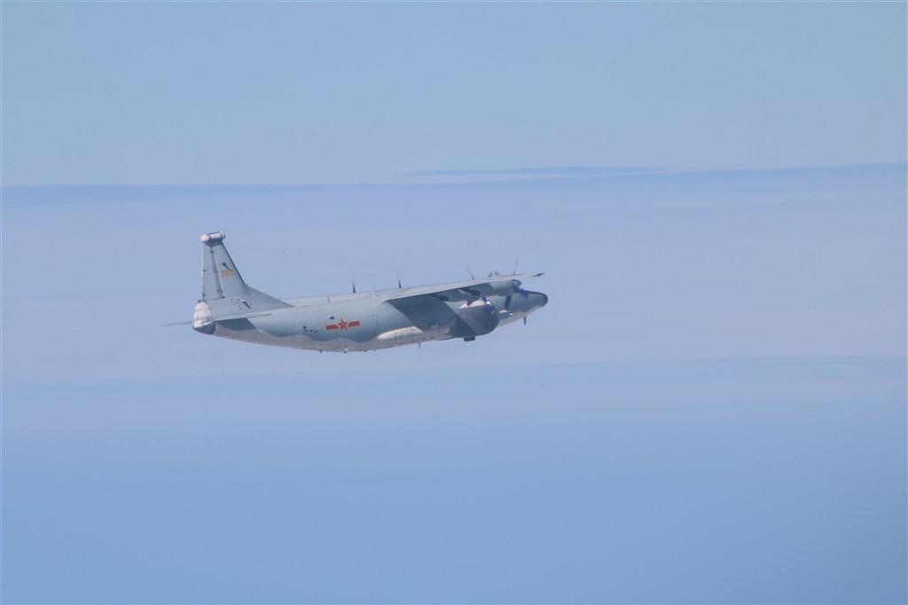 空軍18日發布共機動態,共軍1架運8技術偵察機、1架運8反潛機,1架運8遠干機侵犯台灣西南防空識別區(ADIZ)。圖為運8遠干同型機。(圖取自國防部網頁mnd.gov.tw)