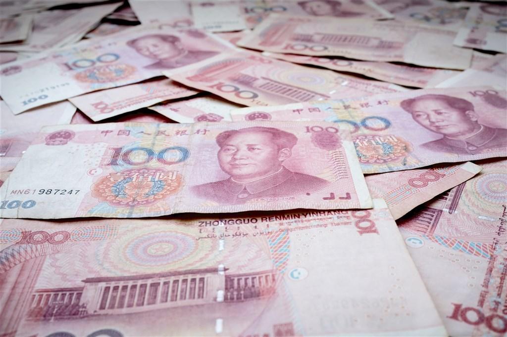 人民幣強勁走升,連帶影響國銀人民幣存款餘額大逆轉,央行18日公布去年12月全體國銀人民幣存款餘額(含NCD)為2444.89億元。(圖取自Unsplash圖庫)