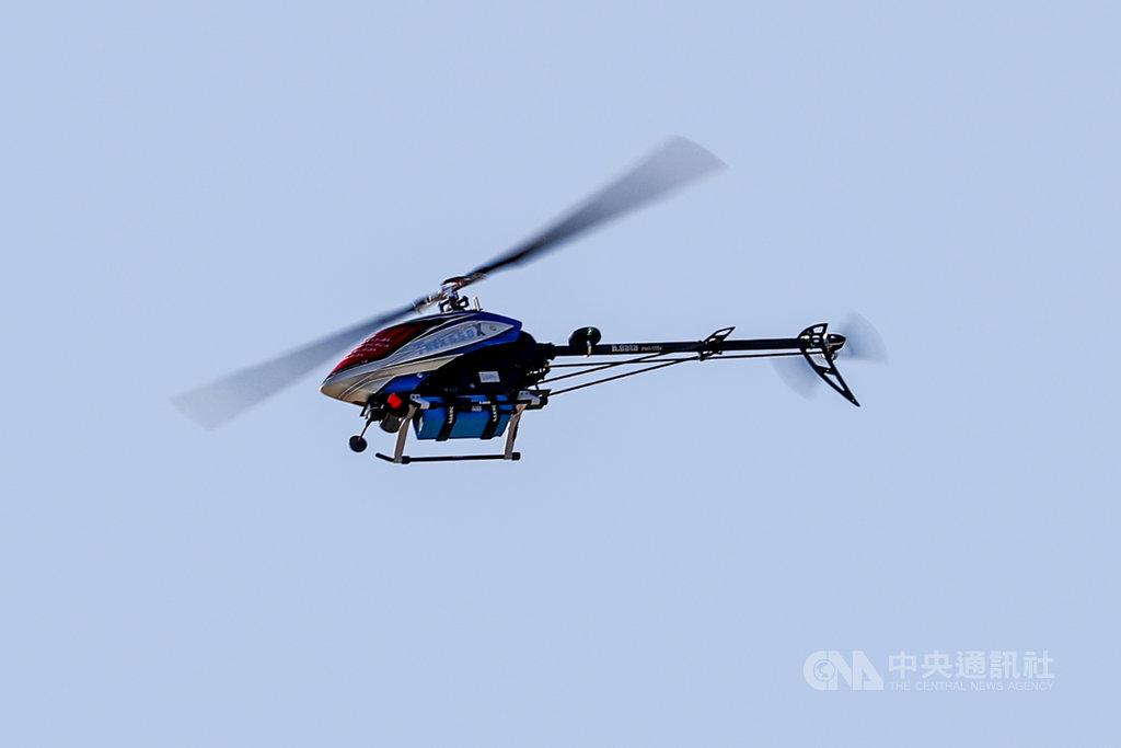 春節前夕,國軍19日舉行春節加強戰備操演,出動UAV無人機進行戰場偵蒐。中央社記者王騰毅攝  110年1月19日