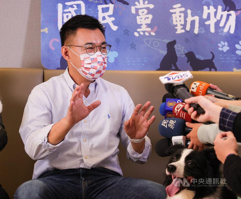 國民黨主席江啟臣22日上午受訪表示,他在過年前會去拜訪歷任黨主席,也會拜訪資深的黨務主管,相關行程已在安排當中。中央社記者謝佳璋攝 110年1月22日