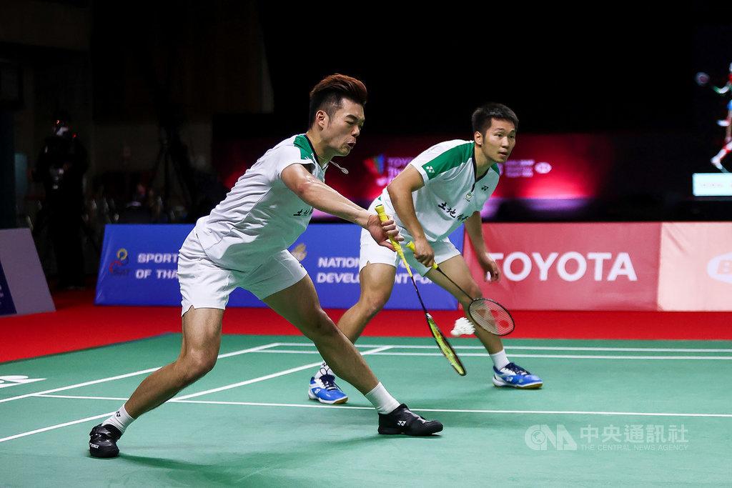 台灣男雙組合王齊麟和李洋23日在豐田泰國羽球公開賽擊敗印尼老將阿山和蘇堤萬,挺進決賽。(泰國羽球協會提供)中央社記者呂欣憓曼谷傳真 110年1月23日