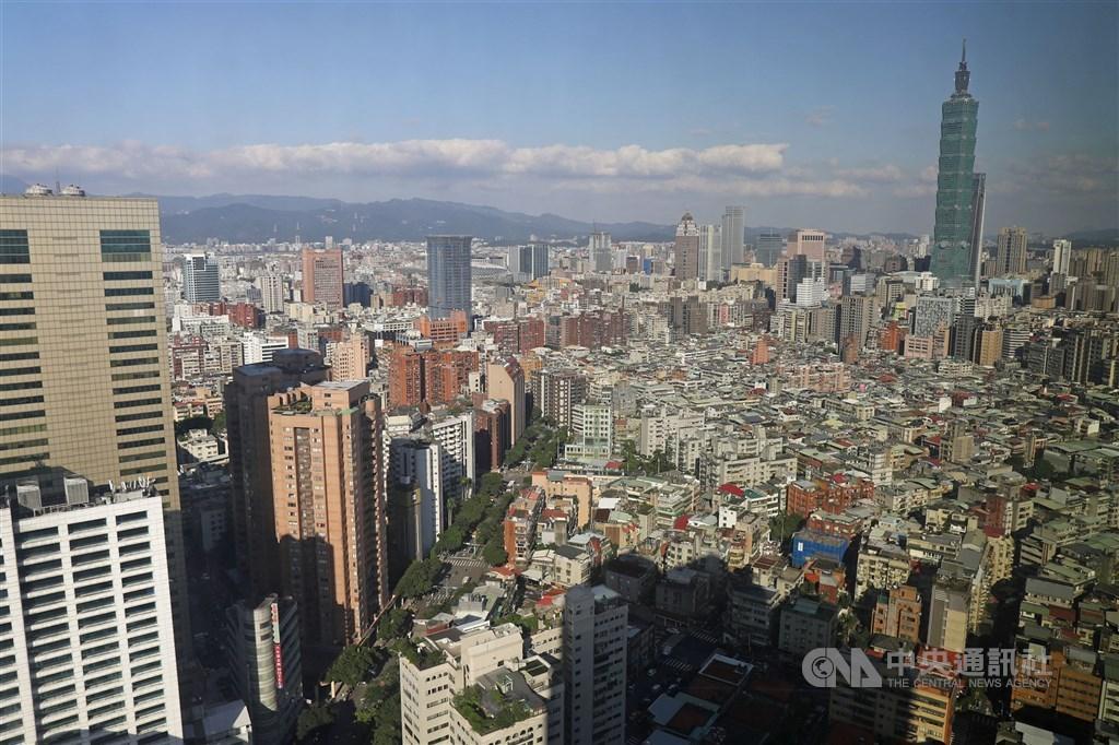 房仲業者統計,台北市大樓華廈每坪成交單價達新台幣67.5萬元,平均總價2824萬元,雙雙拿下全台之冠。(中央社檔案照片)