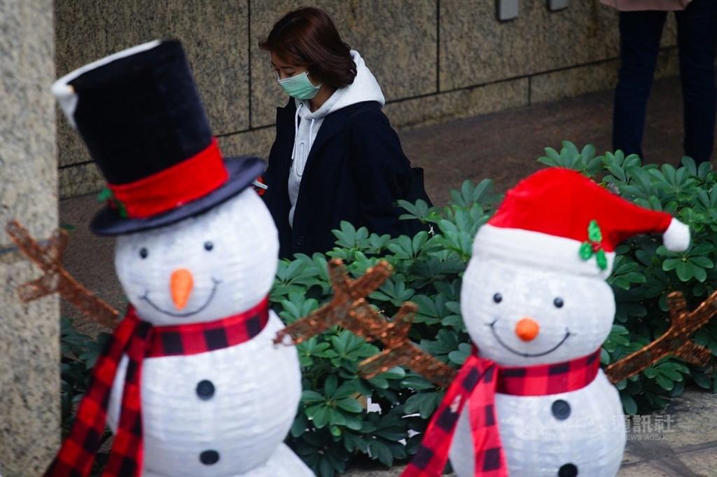 中央氣象局表示,28日起冷空氣影響台灣,預估最冷時間是在29日晚間至30日清晨,竹苗等地區低溫探攝氏10度。(中央社檔案照片)