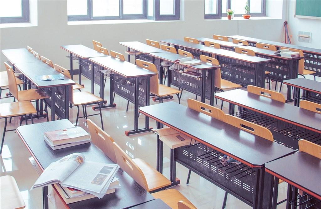 大學學測於23日考完,網路傳出有女學生應考時被寵物鼠爬上身。大考中心25日證實此事,目前正在釐清事發經過,後續將提交考試委員會討論如何處置。(示意圖/圖取自Pixabay圖庫)
