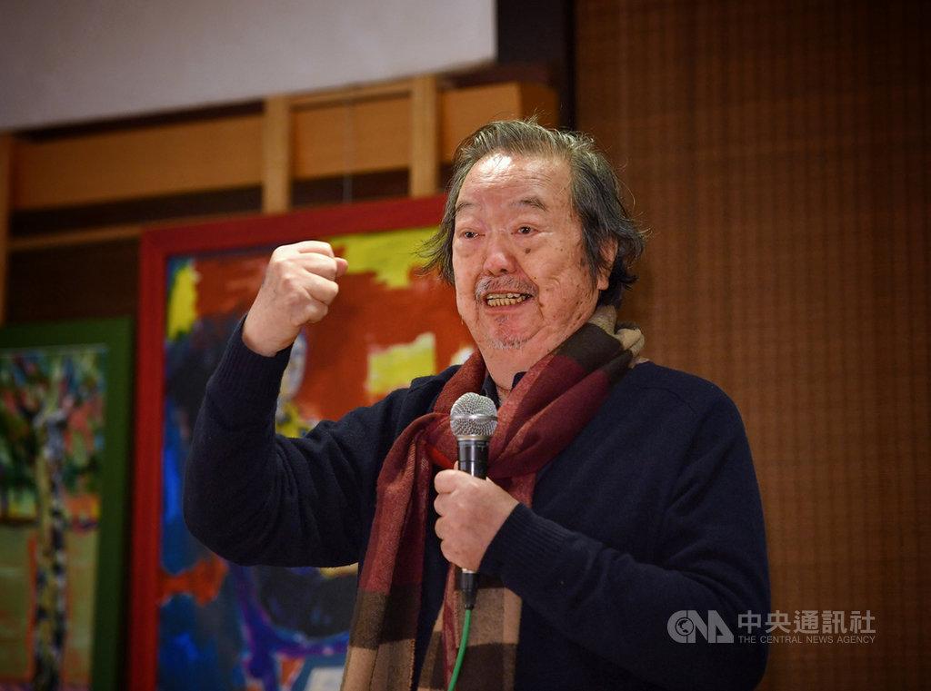 創作者雷驤身兼作家、畫家和導演身分,27日在台北紀州庵舉行「風景-昨日的‧今日的」畫展揭幕暨新書發表會,並在會中分享創作經歷。中央社記者王飛華攝 110年1月27日