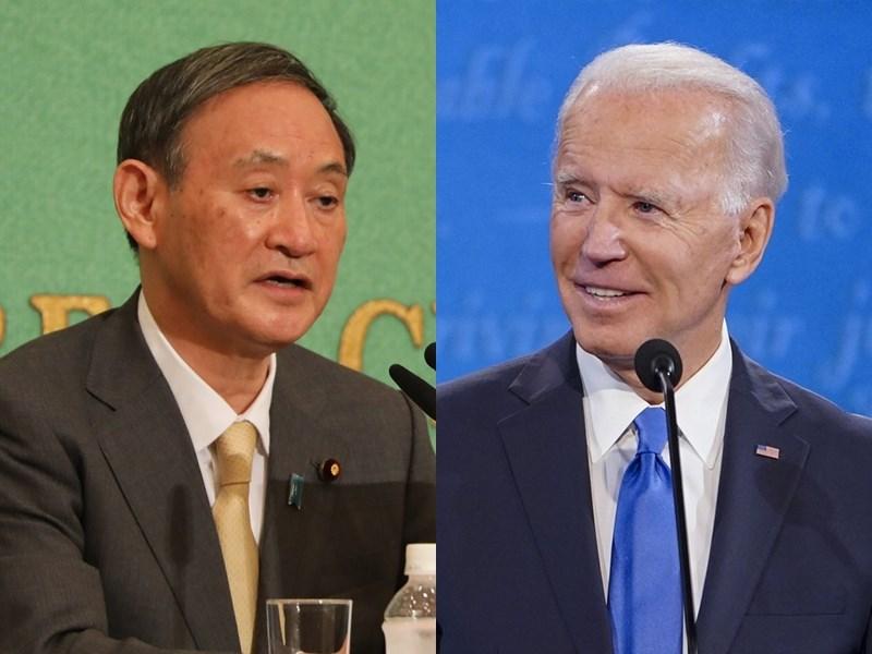 在中國擴張經濟與軍事力量之際,日本首相菅義偉(左)28日凌晨與美國總統拜登(右)進行電話會談。菅義偉表示,他與拜登同意強化雙邊聯盟。(左圖為中央社檔案照片;右圖取自facebook.com/joebiden)