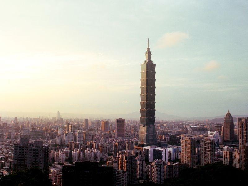 國際透明組織(TI)28日公布2020年全球清廉印象指數(CPI),台灣得到65分,排名第28,顯示台灣近年來持續改善與進步。(圖取自Unsplash圖庫)
