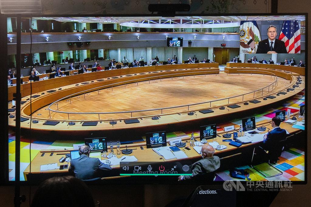 美國國務卿布林肯(右上大圖)22日受邀參與歐洲聯盟外長視訊會議,談論美歐如何共同因應疫情、中國及氣候變遷等迫切全球議題。(美國國務院提供)中央社記者徐薇婷華盛頓傳真 110年2月23日