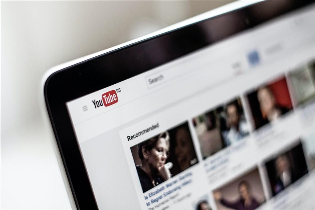 據報導,YouTube已下架近3000個頻道及帳號,它們被視為中國及俄羅斯各自發揮影響力行動的一環。(示意圖/圖取自Unsplash圖庫)