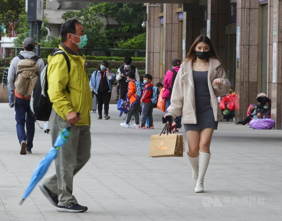 氣象專家吳德榮表示,未來一週2波東北季風分別在23日及26日晚間抵達,雖然天氣系統並不強,但對北台灣而言,陰、晴、冷、暖交替多變。(中央社檔案照片)
