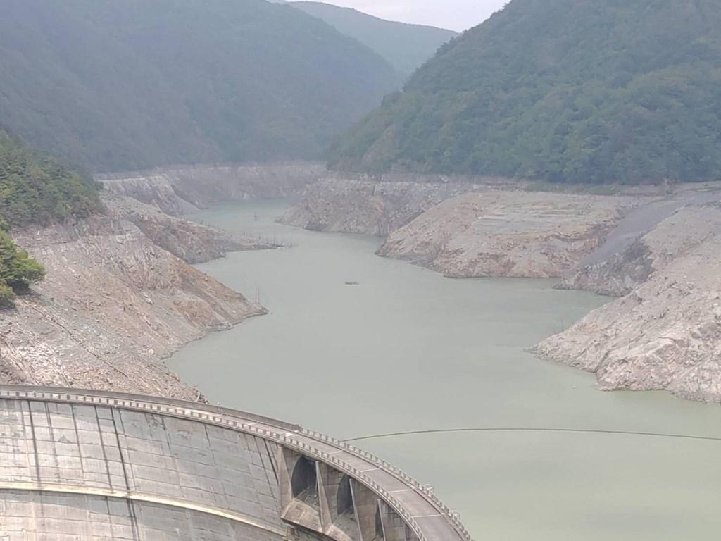 [新聞] 德基水庫蓄水量跌破4% 估剩餘14天