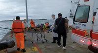 外籍貨輪船員摔傷昏迷  澎海巡消防齊救護