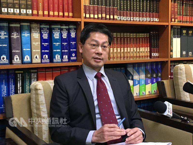 外交部發言人李憲章表示,旅居澳洲的台灣學童參加活動時,在牛隻塑像上彩繪中華民國國旗,因中國人士抗議遭塗銷;駐處已陸續進洽澳洲官方及活動主辦單位了解詳情。(中央社檔案照片)