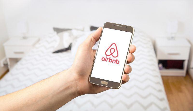 因應日本民泊法,訂房網站Airbnb日前將違法民宿全數下架。(圖取自Pixabay圖庫)