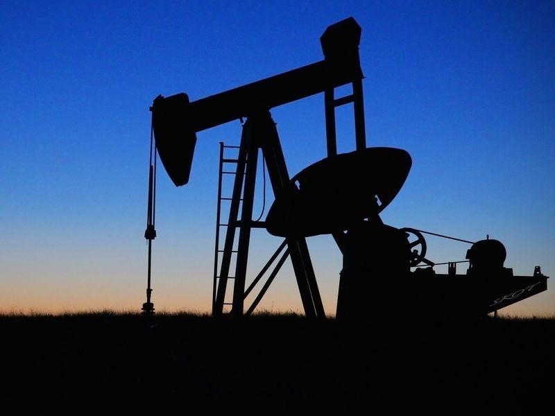 美國對伊朗展開「最大施壓」經濟制裁,目標要讓伊朗的原油變成「零出口」。台灣等8國暫時獲豁免可繼續向伊朗購油。圖僅為示意。(圖取自Pixabay圖庫)