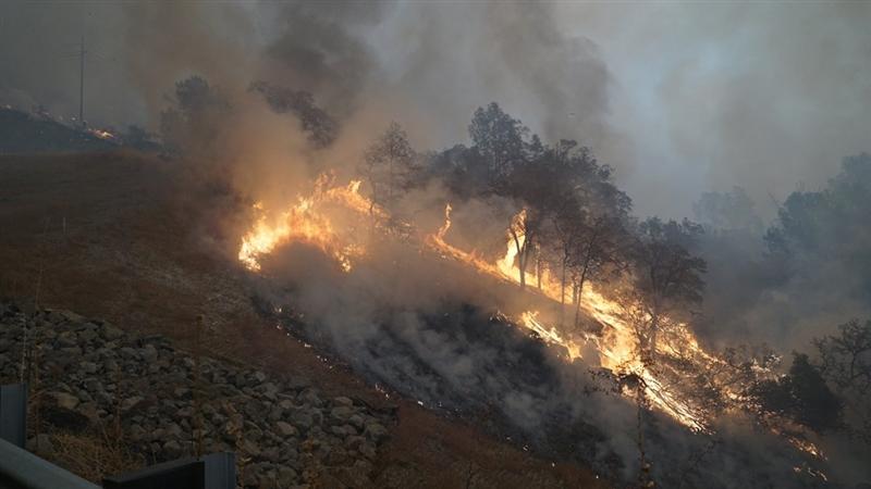 多起野火9日同時肆虐美國加州,已有15萬人被迫撤離。(圖取自twitter.com/countyofbutte)