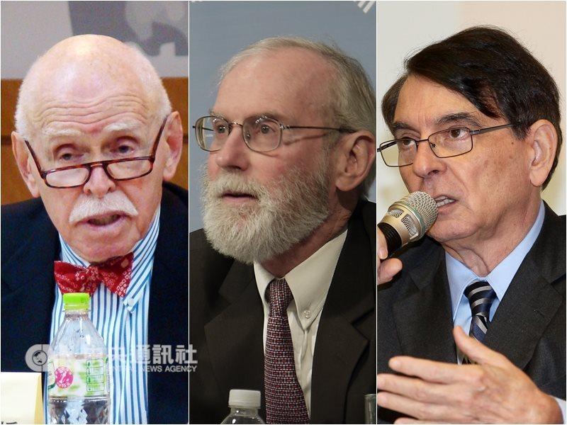 包括孔傑榮(左起)、楊甦棣、司徒文在內的44名學者與前美國政府官員,聯名發表給台灣人民的公開信,希望藉由這封公開信向台灣人民表明,在台灣歷史的關鍵時刻,應保持團結。(中央社檔案照片)
