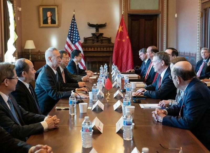 聯合國貿易和發展會議表示,美中貿易戰,華府和北京都無法從中獲利。圖為2018年1月30日美中貿易談判畫面。(圖取自twitter.com/ustraderep)