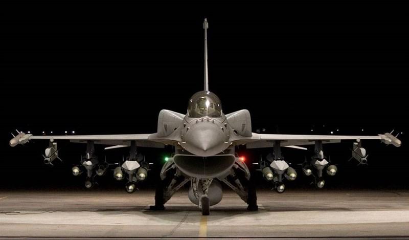 知情人士透露,川普政府已默許台灣提請的60多架F-16戰機採購,這是繼1992年以來,再次出售戰機給台灣。圖為F-16V戰機。(圖取自洛克希德馬丁公司網頁lockheedmartin.com)