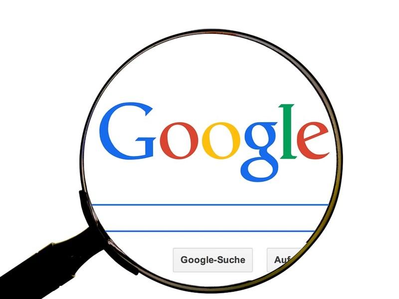 Google母公司Alphabet股價30日大跌7.5%,創6年半來最慘單日表現。(圖取自Pixabay圖庫)