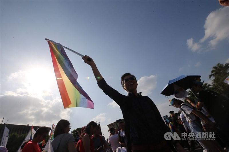 立法院17日將處理同婚專法草案,藍綠兩大陣營將上演表決大戰。(中央社檔案照片)
