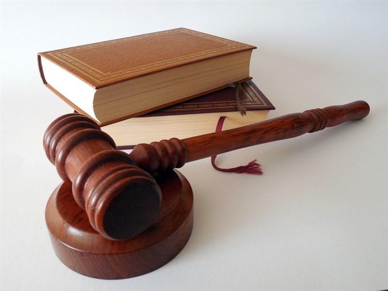 法國高中畢業會考首日考哲學,「法律能帶給我們幸福嗎」成為考題。(示意圖/圖取自Pixabay圖庫)