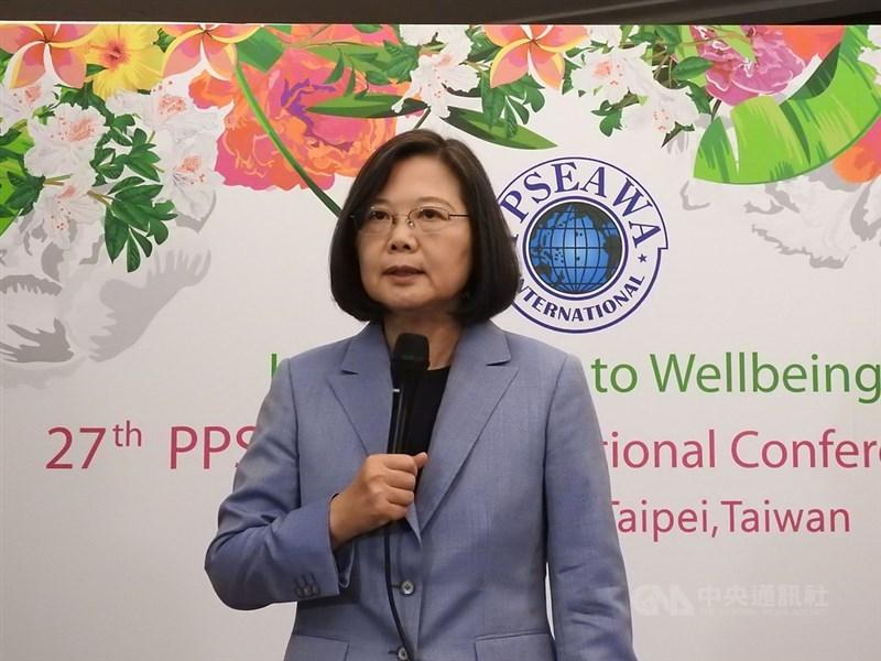 總統蔡英文23日表示,「反親中媒體大遊行」代表台灣社會對中國滲透台灣媒體的憂慮,相信這個活動能提高台灣社會的醒覺。中央社記者王鴻國攝 108年6月23日