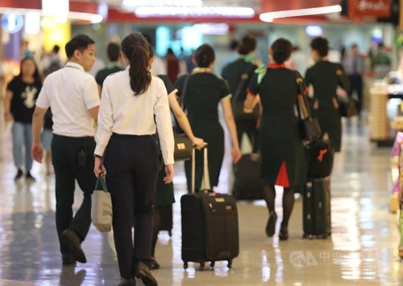 長榮航空28日承諾罷工期間列無薪事假,無懲處、寫悔過書等。(中央社檔案照片)