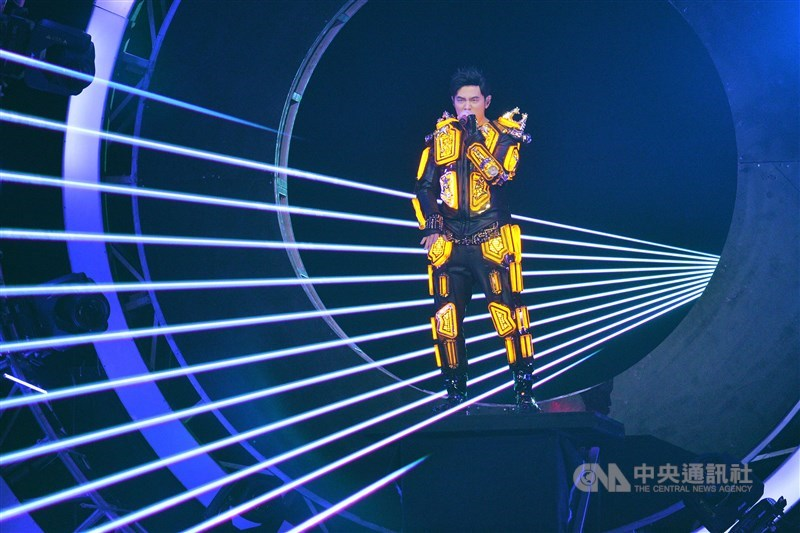 近期沒發表作品的歌手周杰倫21日凌晨被中國粉絲推到「微博超級話題排行榜」榜首,成為娛樂話題。(中央社檔案照片)