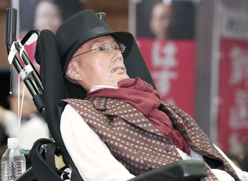 日本參議院大選21日投開票,政治團體「令和新選組」確定有一席由罹患俗稱漸凍人症的舩後靖彥當選。(共同社提供)