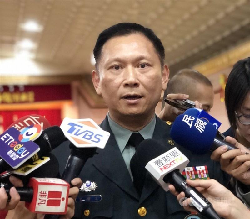 中國24日發表國防白皮書,批台灣挾洋自重。國防部發言人史順文少將表示,這份白皮書,顯示中國企圖淡化國際間對「中國威脅論」的疑慮,展現其統戰的伎倆。(中央社檔案照片)