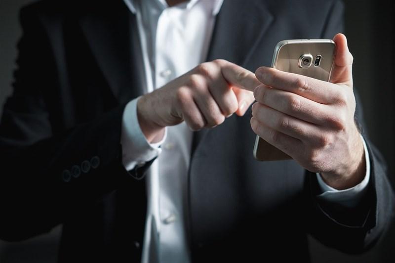 經過5個多月的審查後,純網銀獲准申設名單出爐,由中華電信領軍的將來銀行、LINE Bank連線商業銀行及國票金與日本樂天集團所組成的樂天國際商業銀行都拿下執照。(示意圖/圖取自Pixabay圖庫)