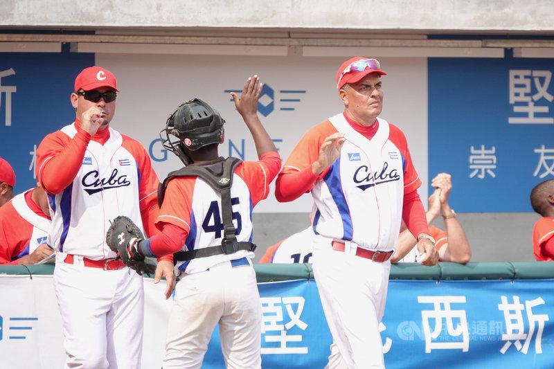 U12世界盃棒球賽季軍戰,古巴隊4日與韓國隊交手,古巴隊靠著一支2分砲拿勝,最終以2比1擊敗韓國隊,順利拿下季軍。中央社記者謝靜雯攝 108年8月4日