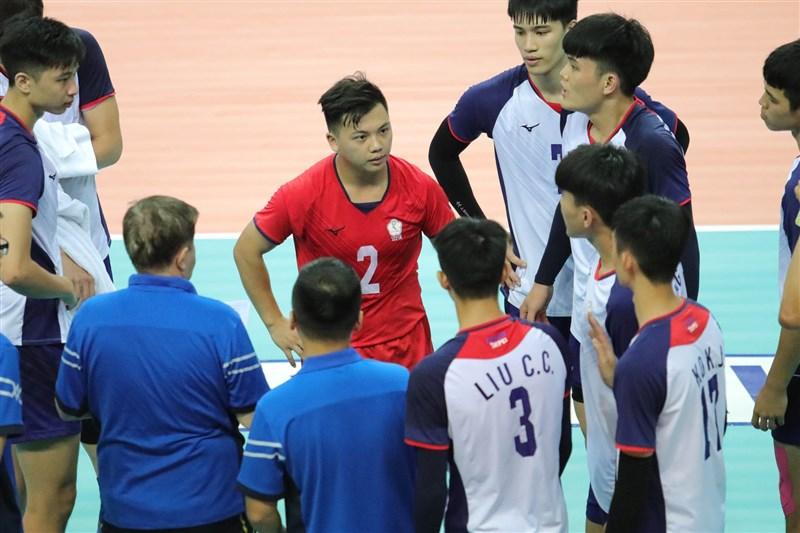 中華排球隊2019年首創國家一、二隊制度,且聘請外籍教頭,鎖定世大運、亞洲U23排球錦標賽、亞錦賽。圖為中華U23男子排球代表隊8日比賽畫面。(圖取自facebook.com/AsianVolleyballConfederation)