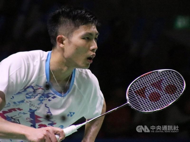 台灣羽球一哥周天成(圖)22日在2019世界羽球錦標賽擊退新加坡小將駱建佑,挺進8強,追平生涯世錦賽最佳成績。(中央社檔案照片)