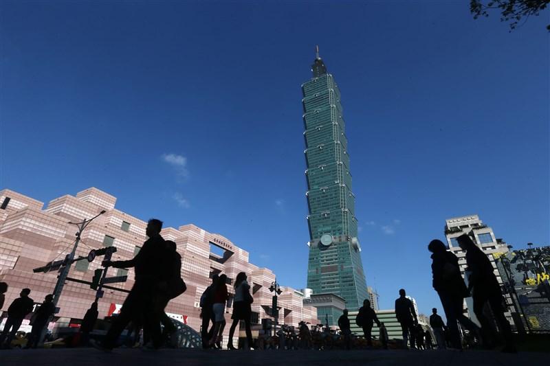 美中貿易戰升溫,經濟部初估今年回流投資額將破新台幣8000億元,也盼投資人對台灣要有信心。(中央社檔案照片)