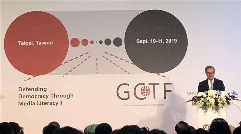 GCTF媒體識讀國際工作坊10日在台北開幕,美國國務院副助卿巴斯比出席致詞。中央社記者侯姿瑩攝 108年9月10日